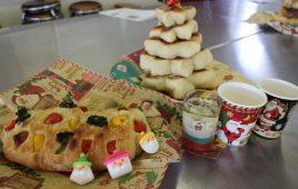 *クリスマスパンづくり*